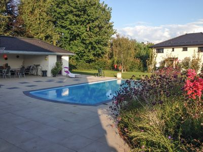 1 bedroom apartment in Vaud, near the shores of Lake Geneva, with fenced garden and swimming pool