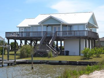 Dauphin Island house rental - Front of 'Port Charley' facing Royal Lagoon