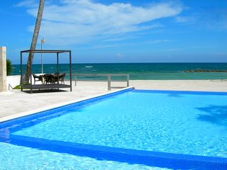 Juan Dolio apartment photo - Pool and Beach together!!! isn't that amazing and delicious??