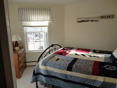 Boothbay Harbor apartment rental - Bedroom. Queen size bed.