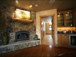 Baldy Mountain Breckenridge house photo - Fireplace and Mini Bar