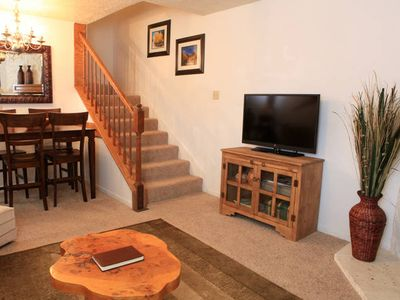 Red River condo rental - living/dining area