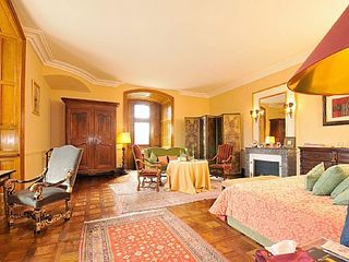 Saint-Martory castle photo - One of the suites...