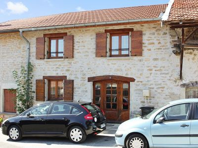 Typical village house in the heart of Bugey (Ain) with 3 bedrooms, garden and mountain views