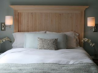 Stanley Bridge cottage photo - Cozy queen bed with massive window overlooking the water and yard.