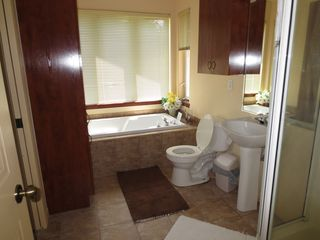 Mont Tremblant townhome photo - Full Bathroom, with Shower and Tub; Generous Windows