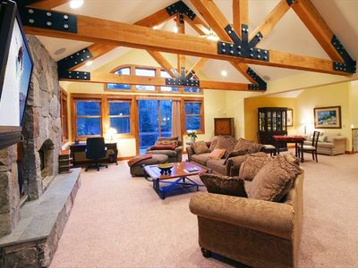 Upstairs Great Room w/Fireplace and Flatscreen TV
