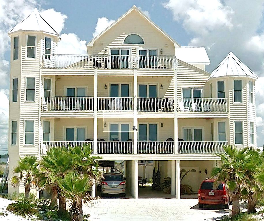 Huge beach house with private pool sleeps 22 vrbo for Big houses in florida