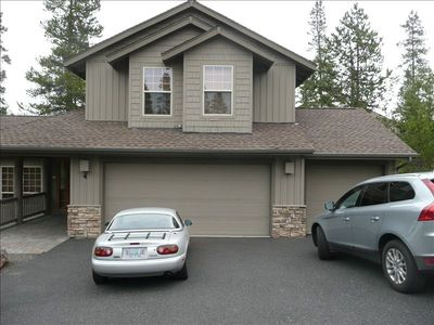 Drive up to your home away from home, and a 3-car garage!