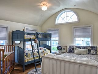 Ogunquit house photo - Bedroom Queen Size & Blue Bunk Beds