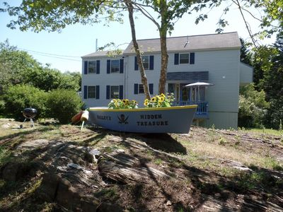 Escape this fall....Surf sounds, salty air....spacious house on acre lot...
