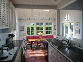 Bodega Bay cottage photo - Kitchen and dining room