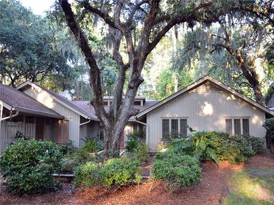 Welcome to 71 Heritage Road in Sea Pines Plantation on Hilton Head Island, South Carolina!
