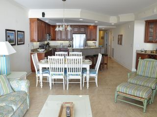 Belmont Towers Ocean City condo photo - Living room - kitchen