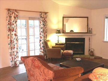 Goleta house rental - Living room with access to patio