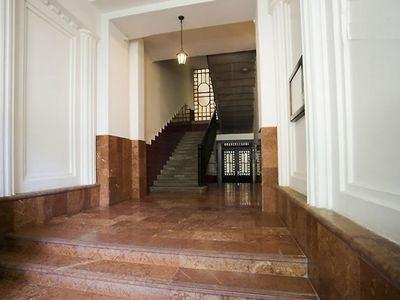 Budapest apartment rental - Entry level - 4 stairs to elevator
