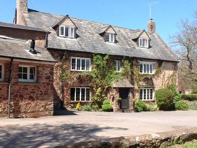 DRAGON HOUSE , pet friendly, with a garden in Dunster, Ref 25294