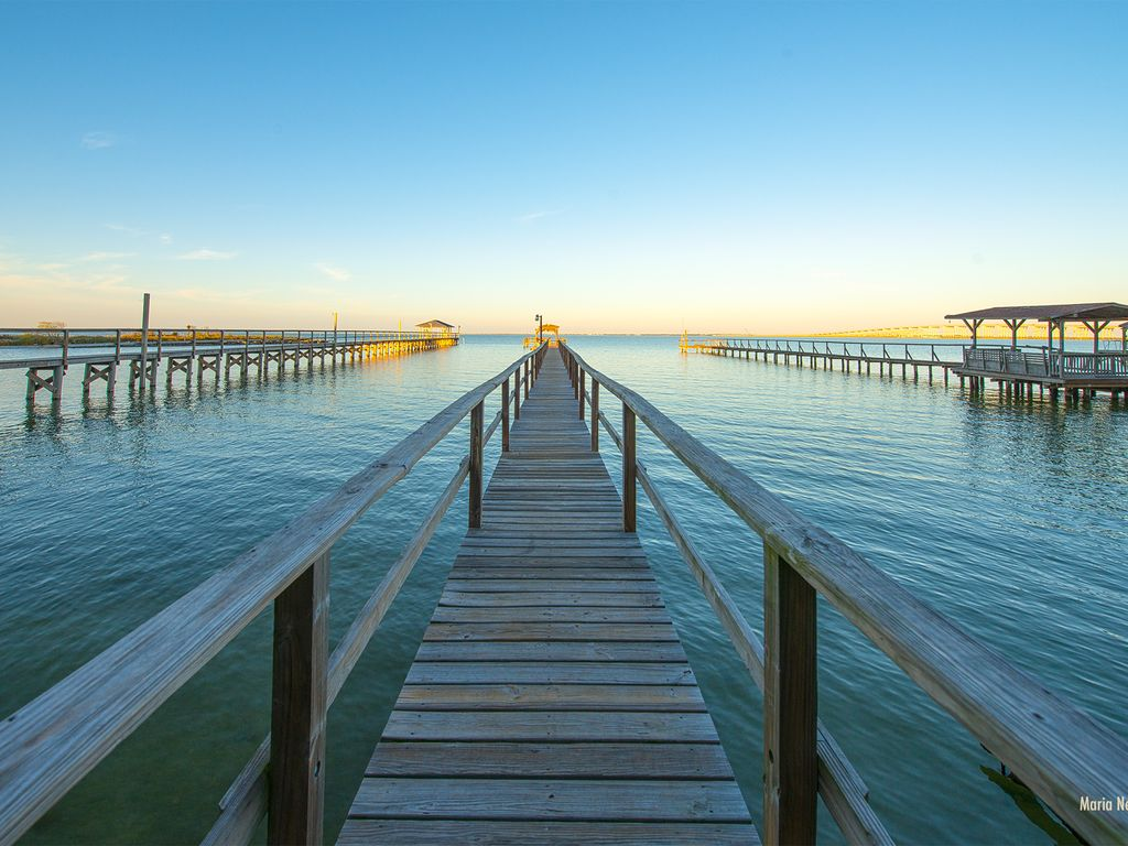 Private waterfront property on copano bay 2 vrbo for Copano bay fishing
