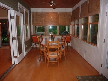 Dining room with seating for up to 10 people.