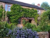 Peak District Luxury Stone Cottage which sleeps 4
