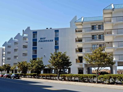 Modern, Colorful 2 Bedroom Condo with Free WiFi, an Outdoor Pool, and Gorgeous Suede Furniture Overlooking the Breathtaking Marshes and Bay a Block and a Half to Beach!