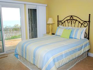 North Topsail Beach house photo - First floor oceanfront suite with private bathroom