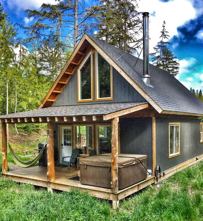 Private and Unique Chalet in the Shuswap- Chalet Two