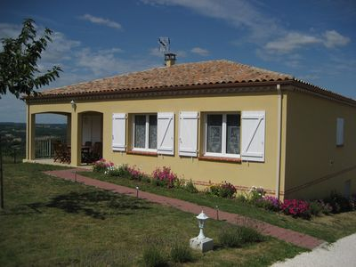 Country house for 6 persons, terrace, beautiful view.