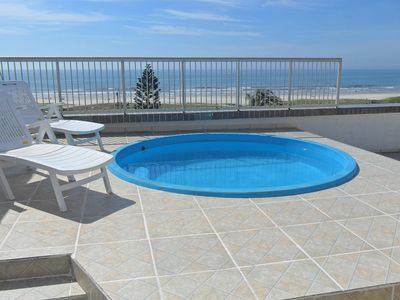 Duplex Penthouse private pool 50 m from the sea 10 people.