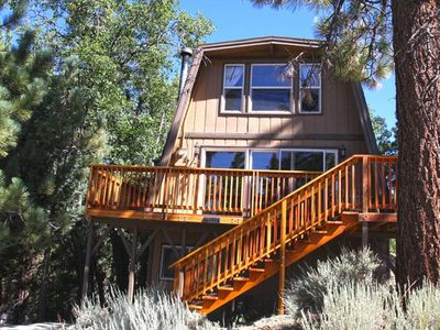 Plenty of Space. 4 Bedroom Modern Cabin close to Bear Mountain Ski Resort. 5 min