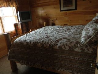 Pigeon Forge cabin photo - Downstairs Bedroom #2