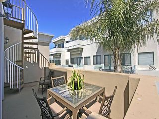 Redondo Beach townhome photo - Outside sitting area