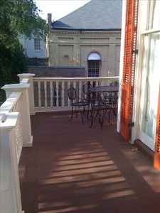 Relax on the front balcony sipping coffee at the bistro set on a nice afternoon