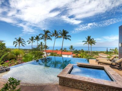 Ocean view / Pool with Beach Entry  / Spa