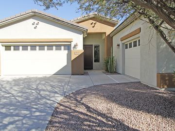 Oro Valley house rental - Front View of Home