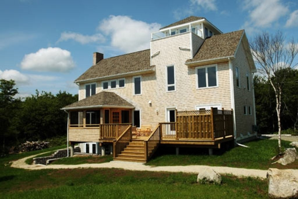 Seacrest Tower Vacation Home - Ocean Views, Walk to the Beach!