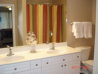 Fort Walton Beach condo photo - Master Bathroom w/double sinks & full size shower