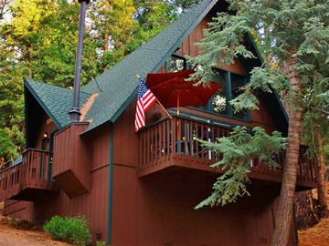 Lake Arrowhead cabin rental - Peace and serenity await you at this charming Lake Arrowhead vacation rental cabin!