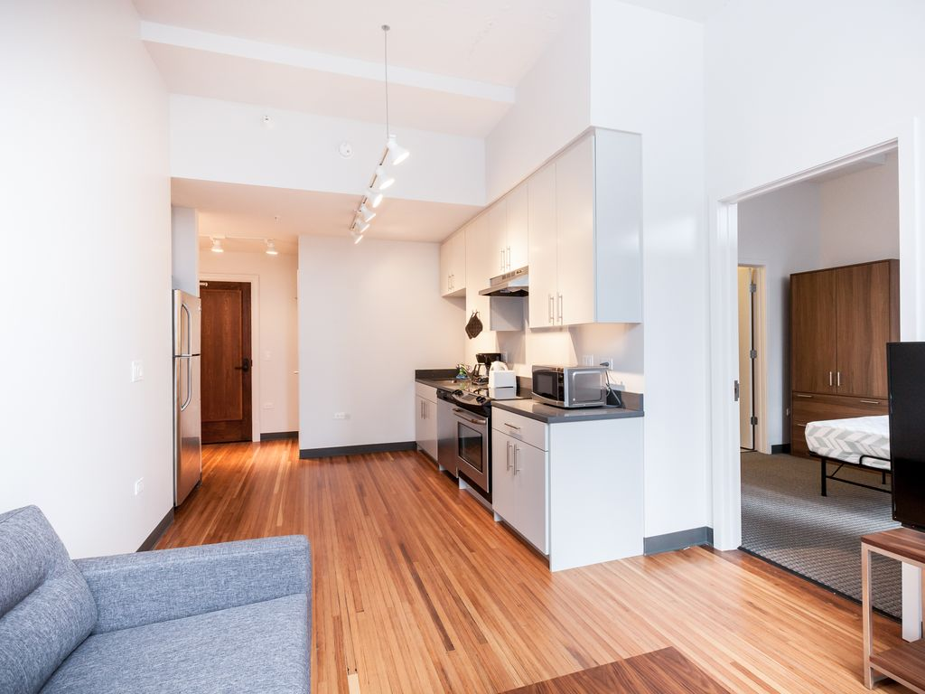 Chicago Pink Two Bedroom Apartment Vrbo