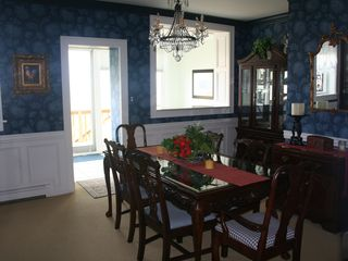 Frankfort house photo - Dining room