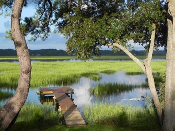 Beaufort chateau / country house rental - Tranquility on the creek.