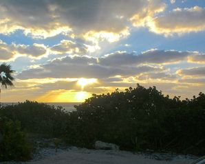 Cayman Brac house photo - Sunrise from the lanai