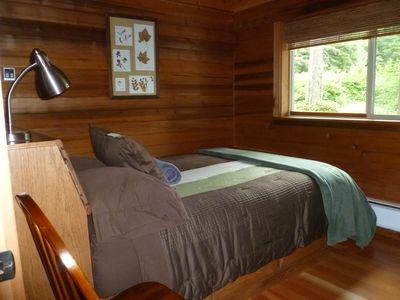 Both bedrooms have queen size beds and both bedrooms are downstairs.