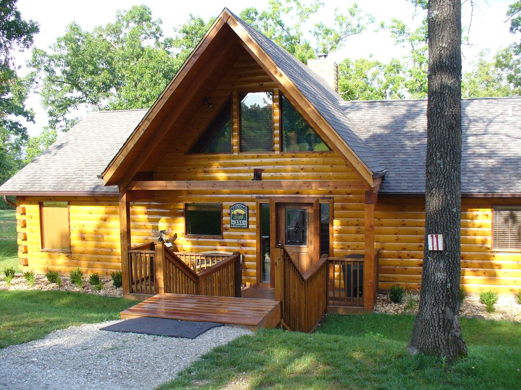 Real vacation log cabin private hot homeaway for Vacation log homes