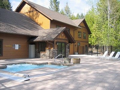 Fabulous Outdoor Spa and Pool Building at Ptarmigan Village