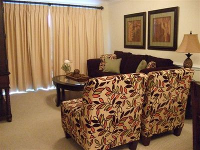 Beautiful 2BD/2BA beach view vacation rental at Crystal Tower in Gulf Shores.