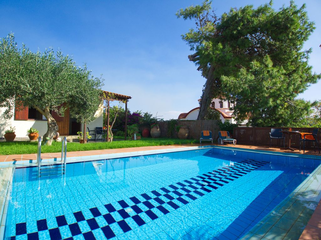 Yiannis Cottage With Private Pool Is Set In Vrbo