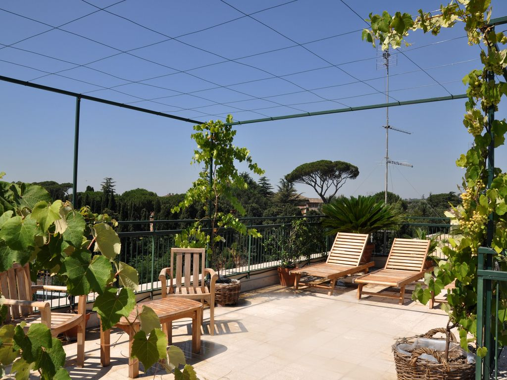 Big Penthouse At Coliseum With Roof Garden Vrbo