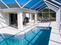 Waterfront Pool Home on Canal w/Private Dock close to Boca Grande & Manasota Key