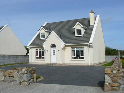 17 BRUACH NA MARA, family friendly in Carna, County Galway, Ref 18724